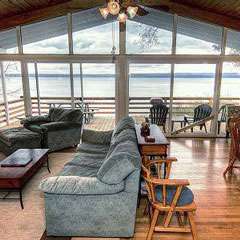 Amazing Seneca Lake Vacation Rentals And Cottages Find Lakefront Download Free Architecture Designs Intelgarnamadebymaigaardcom